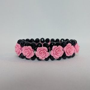 Jewelry - 💥3 for $25💥 Pink Roses Bracelet on Black